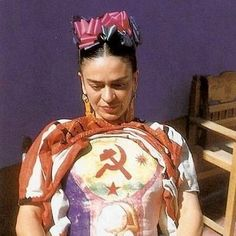 When the Mexican painter Frida Kahlo died in her husband muralist Diego Rivera locked her clothes and jewelry- all personal possess. Diego Rivera, Natalie Clifford Barney, Frida E Diego, Frida Art, Arte Latina, Kahlo Paintings, Gravure Illustration, Body Cast, Her Cast
