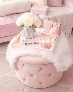 Home Interior Vintage .Home Interior Vintage Baby Pink Aesthetic, Aesthetic Vintage, Aesthetic Black, Aesthetic Grunge, Room Ideas Bedroom, Girly Bedroom Decor, Teen Bedroom Designs, Pink Home Decor, Bedroom Bed