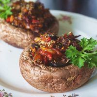 Recept : Pečené žampiony s pikantní směsí | ReceptyOnLine.cz - kuchařka, recepty a inspirace Creative Food, Baked Potato, Grilling, Potatoes, Meals, Baking, Ethnic Recipes, Foods, Blog