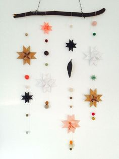 #PANDORAloves this mobile with stars made of paper. #DIY #Decor
