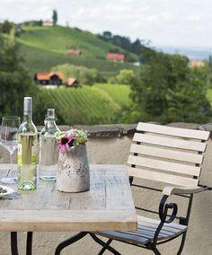 Blick in die Weinberge, Gamlitz, Südsteiermark // View into the vineyards, Gamlitz, Südsteiermark Austria, Beautiful Homes, Vineyard, Wellness, Vacation, Traditional, Holiday, Life, Wine Vineyards