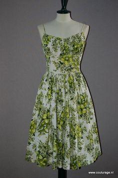 Victor Josselyn: Cocktailjurk en bolero, wit met groene bloemen (1950E002)