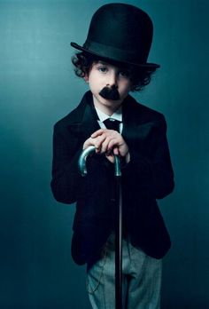 All children should be raised on a healthy diet of Charlie Chaplin. Start them out right. Taylor enjoyed Charlie Chaplin movies before she could ♥ Cute Costumes, Halloween Costumes For Kids, Happy Halloween, Halloween Skeletons, Costumes Kids, Charlie Chaplin Costume, Kids Dress Up, Halloween Disfraces, Kid Styles