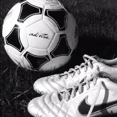 Tips And Tricks To Play A Great Game Of Football. To be successful with football, one needs to understand the rules and strategies and have the appropriate skills. Soccer Baby, Play Soccer, Football Soccer, Soccer Cleats, Mia Hamm, Soccer News, Soccer Quotes, To My Daughter, Sport