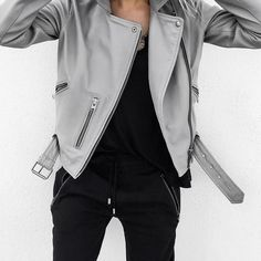 Grey Leather Jacket, Leather Jacket Outfits, Leather Jackets, White Leather, Look Fashion, Winter Fashion, Fashion Outfits, Fashion Ideas, Divas
