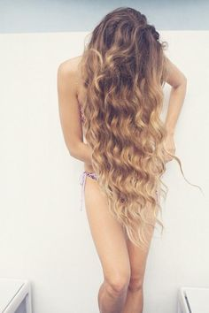 love the wavy hair