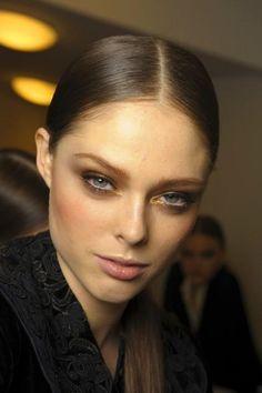 gold eye makeup. copyright fashionwirepress.com