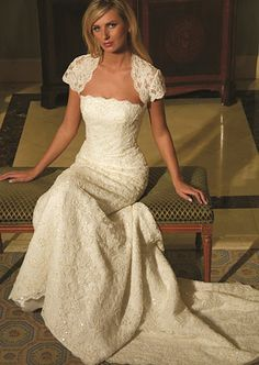 Augusta Jones's Sterling gown with square neckline. #RandyToTheRescue #BrideDay #Weddings