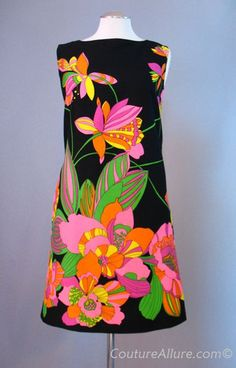 "Vintage 60's ""Psychedelic"" Cotton Shift Dress (color goes pop!)"