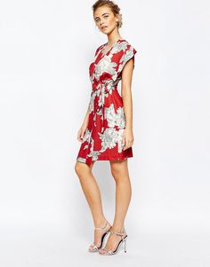 Image 4 ofCloset Square Sleeve Midi dress with Tie at Side in Allover Floral
