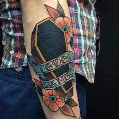 """""""Todos Vamos"""" #traditional #coffin #tattoo #tattoosbynorbert Para citas e-mail Tattoosbynorbert@hotmail.com o pasa por @1711tattoostudio gracias por mirar!!"""