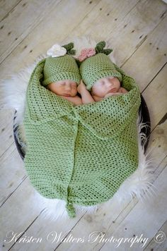 Crochet Two Peas in A Pod Newborn Twin by ThisanThatBoutique, $50.00