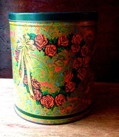 Romantic vintage tin - Southern Vintage Table Vintage Tins, Vintage Table, Vintage Metal, Metal Tins, Coffee Cans, Trays, Planter Pots, Southern, Romantic