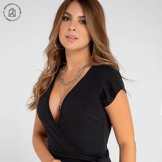 Elige tus prendas exclusivas online Haz clic en la imagen y compra online>>> V Neck, Tops, Women, Fashion, Vestidos, Pants, Unique Clothing, Athletic Wear, Plunging Neckline