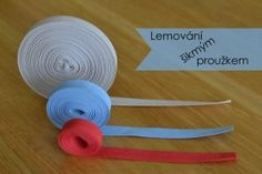 Lemování šikmým proužkem_t Sewing Hacks, Sewing Crafts, Sewing Tips, Fabric Stamping, Kids And Parenting, Diy And Crafts, Top Top, Patterns, Scrappy Quilts