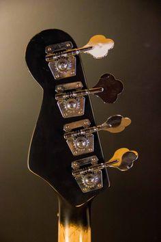 Revolution Bass. Design: Cristh Rod Guitars  www.cristhrodguitars.com