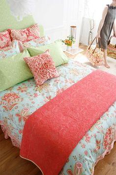 Amy Butler Organic bedding---on my wish list