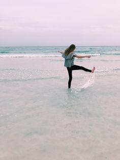 pin x noellemnguyen Beach Pictures, Travel Pictures, Cute Pictures, Summer Beach, Summer Vibes, Selfies, Perfect Day, Fotos Goals, Summer Goals