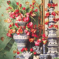 Town & Country-tulipiere in blue and white, chinoiserie style