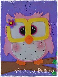 """Olá pessoal!!! E já se programando para a volta ás aulas que será daqui um mês na maioria das escolas, que tal um """"Kit Bem - Vindos""""??? Enco... Bird Crafts, Diy Home Crafts, Animal Crafts, Crafts To Make, Arts And Crafts, Cardboard Crafts, Foam Crafts, Paper Crafts, Decorate Notebook"""