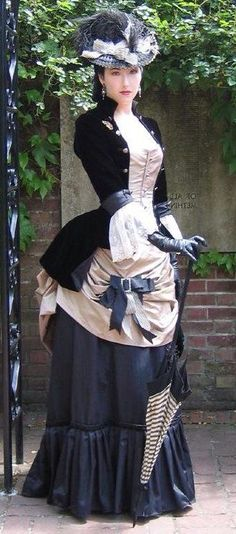 A goal to reach for my steampunk character: Cera Bennett-Copperfield when she's about town or spying on the elite. A goal to reach for my steampunk character: Cera Bennett-Copperfield when she's about town or spying on the elite. Viktorianischer Steampunk, Costume Steampunk, Victorian Costume, Steampunk Clothing, Victorian Steampunk Dress, Medieval Costume, Gothic Dress, Gothic Lolita, Vintage Dresses