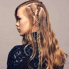Fashion Braids #braids #braidstyles #braidstylist #stylist #hairstylist #hairstyle #hairinspo #hairgoals #braids # ramonakrieger #hairart #hairfashion #love2Braid #vlechten #vlechtkapsels