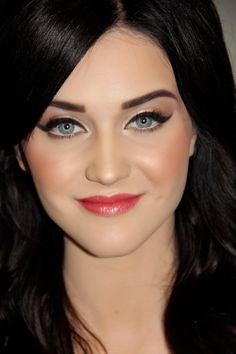 Makeup for fair skin incorporating lipgloss. This would be a good Project Pan look/shoutout to Tallafornia.