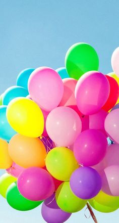 colorful balloon 風船 💙💚💛💜❤ on We Heart It Happy 2nd Birthday, Birthday Gifts For Best Friend, Birthday Wishes, Colorful Wallpaper, Wallpaper Backgrounds, Iphone Wallpaper, Bubble Balloons, Bubbles, Photo Ballon
