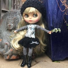Blythe halloween outfit skulls and stripes by FairyTaleNightmares