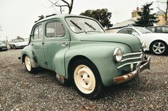 Renault 4CV Vintage Cars, Antique Cars, Matra, Automobile, Old Cars, Peugeot, Minis, Classic Cars, Garage
