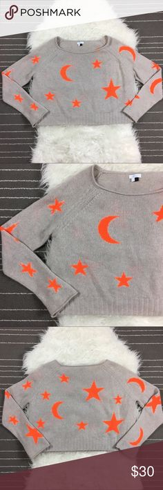 "Elorie 100% Cashmere Star Print Cropped Sweater Very good condition, armpit to armpit 23"", length from shoulder 19"" Elorie Sweaters Crew & Scoop Necks"