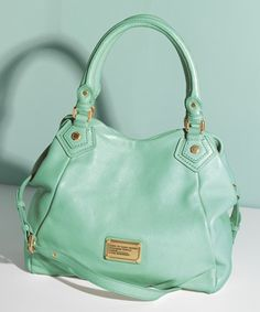 love this #MarcJacobs bag http://rstyle.me/n/gqw4dr9te