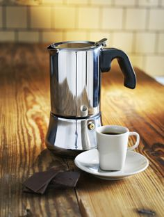 The RÅDIG espresso maker, for a stylish coffee break