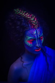 Pin by dianamaryd on neon party in 2019 neon face paint, uv Uv Makeup, Dark Makeup, Makeup Art, Neon Face Paint, Skin Paint, Kunst Party, Body Painting Festival, Neon Painting, Light Painting
