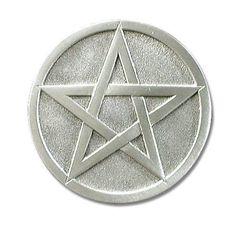 """En geniş doğal sayı olarak, """"tamamlanma, hikmet'' anlamına gelir. Son tam sayı olarak bir devrenin tamamlandığına işaret eder. Enneagram- Aydınlanma sembolüdür. Aleister Crowley, Wicca, Symbols, Stars, Sterne, Wiccan, Star, Glyphs, Icons"""