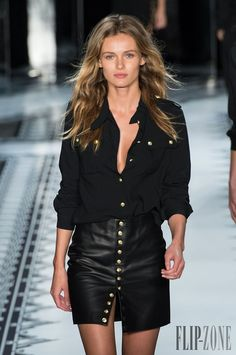 Versus Versace Spring-summer 2015 - Ready-to-Wear Versace Fashion, Runway Fashion, Womens Fashion, Fashion 2015, Trending Fashion, Casual Chic, Military Style Shirts, Moda Chic, Spring Summer Fashion