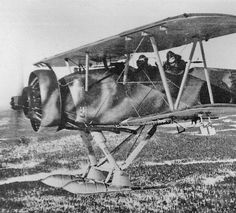 Anything But Wheels > Vintage Wings of Canada