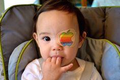 Loving father creates adorable drawings on daughter's eye patch every day