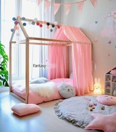 Um quartinho encantador 🥰 from fantasyroom myfantasyroom kidsroom kidsroomdecor kidsroominspo kidsinterior… is part of Toddler girl room -