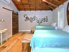 Clover+Haus-+Walk+to+everything!+Sleeps+11.++Girl's+weekends!+++Vacation Rental in Texas Hill Country from @homeaway! #vacation #rental #travel #homeaway