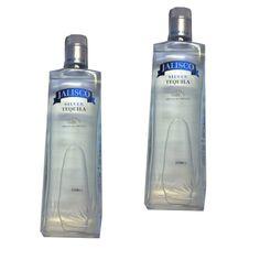 Tequila Jalisco Silver kaufen  Tequila Jalisco Silber hat seinen Namen von seiner kristallinen Farbe. Dieser Tequila wird mit Wasser aus Bergquell mit Pflanzen von Blue Agave Weber im Alter von 8 und 9 Jahren. Seine doppelte Destillation entfernt Verunreinigungen und hält den starken Geschmack der Agave, das Tequila Premium,