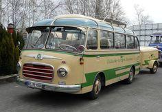 Mercedes Bus, Berlin Photos, New Bus, Bus Coach, Busses, Custom Cars, Classic Cars, Old Things, Trucks