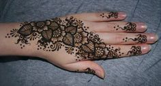 Different Types of Mehendi Designs - henna - Henna Designs Hand Henna Hand Designs, Mehndi Designs 2014, Latest Henna Designs, Bridal Henna Designs, Mehndi Designs For Hands, Henna Tattoo Designs, Mehandi Designs, Stylish Mehndi Designs, Flower Henna