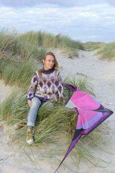 Drageflyverens trøje beige/lilla Dame - Strikkeopskriften findes i min strikkebog, Fanøstrik. Tilhørnede Garnpakke købes på min webshop
