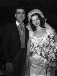 17-year-old Gloria Vanderbilt and Pasquale DiCicco's 1941 wedding