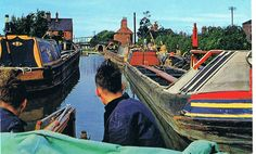 Canals - The Nuneaton and North Warwickshire Local and Family History Web Site Canal Boat, Narrowboat, History Channel, Coventry, Family History, Fair Grounds, Building, Boats, Travel