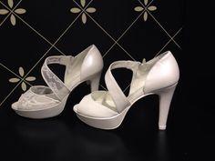 Zapatos de #novia #Doriani. Imagen: El Tocador de la Novia #Zaragoza www.doriani.com