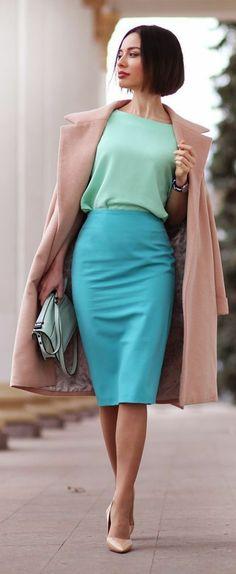 jupes-longues-taille-haute-en-bleu-pastel
