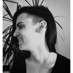 undercut hair style for hearing aids