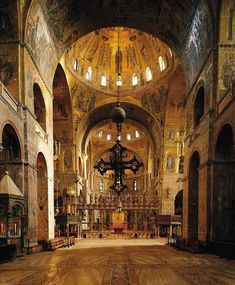 Saint Mark's Basilica, Venice, Veneto, Italy is a good example of Byzantine architecture. Byzantine Architecture, Church Architecture, Saint Mark's Basilica, Voyage Rome, Byzantine Art, Cathedral Church, Place Of Worship, Kirchen, Bologna